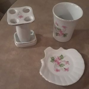 Other - toothbrush & soap dish set